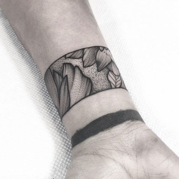 Smart tattoo cover up ideas that will amaze you 5