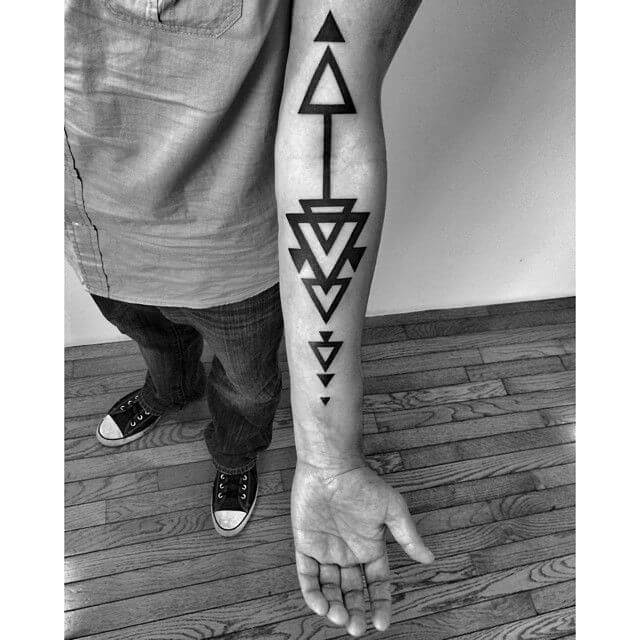 Learn the various Arrow tattoo meanings 33