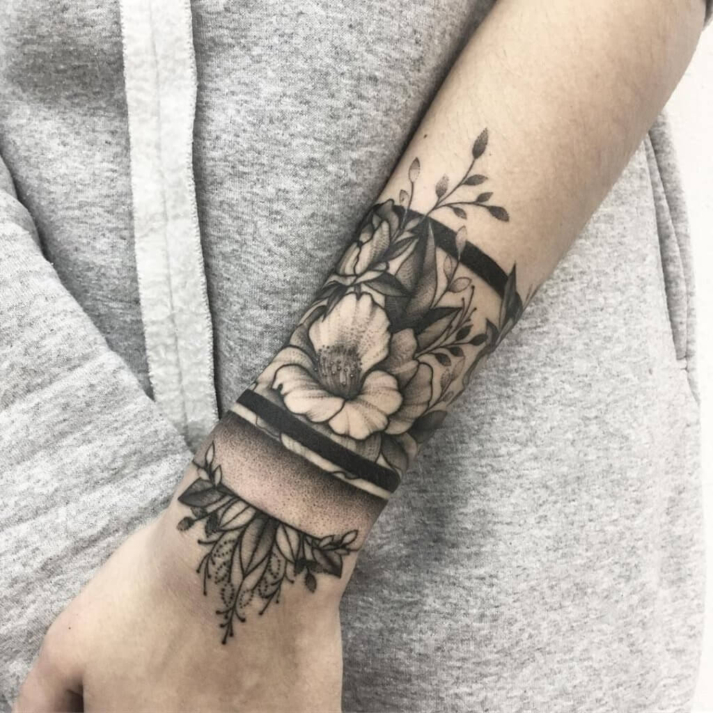 Smart tattoo cover up ideas that will amaze you 16