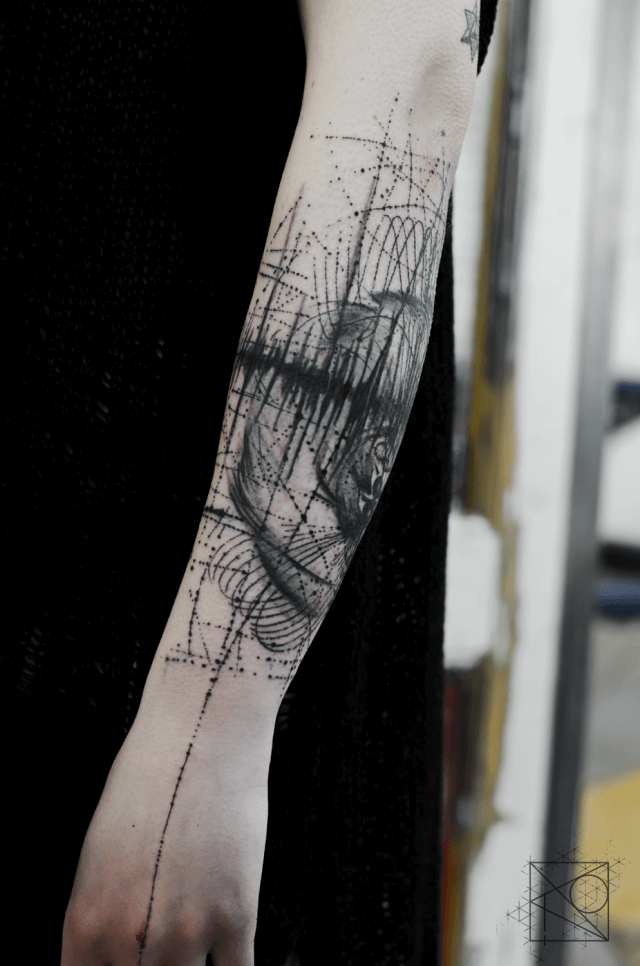 Mindblowing abstract tattoo ideas for men and women 38