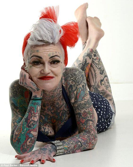 Old lady tattooed