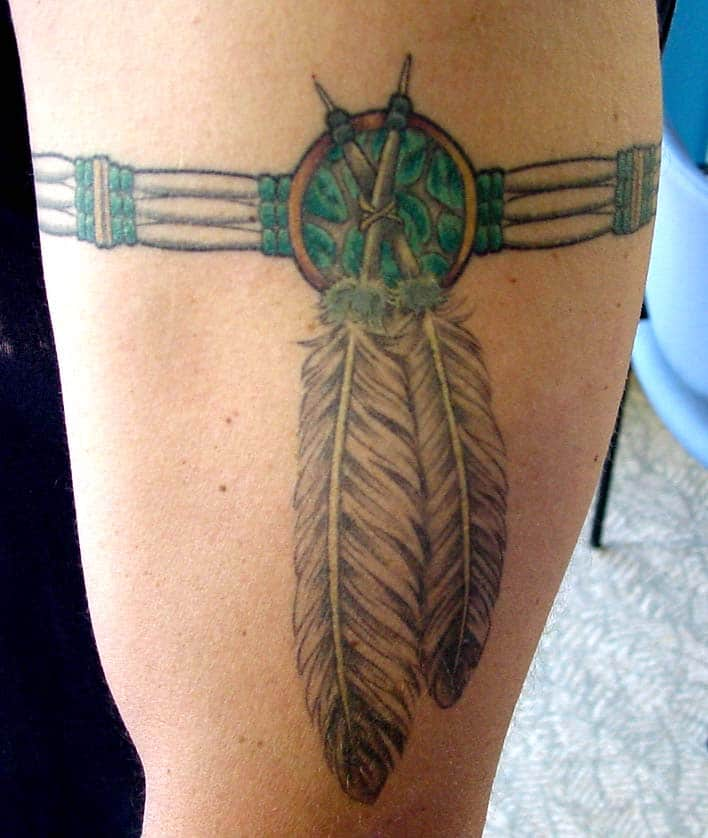 Armband tattoo ideas that will sweep you off your feet 40