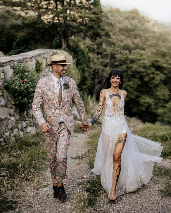 Should you hide your tattoos for wedding? 4