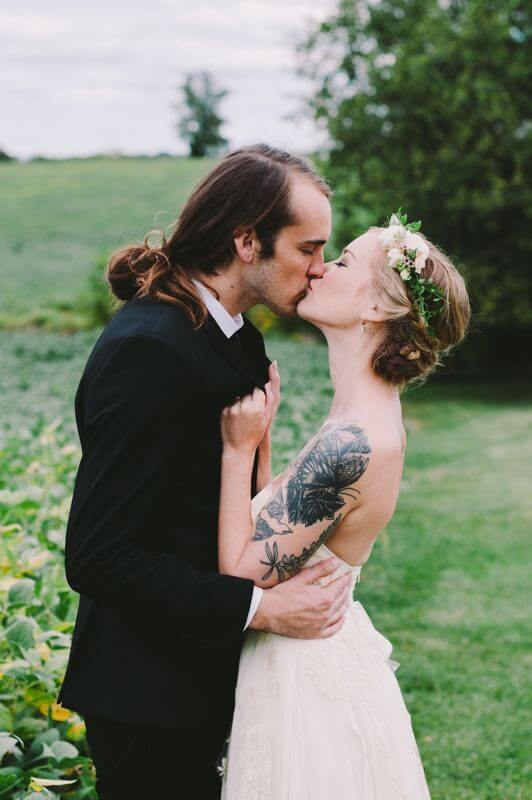 Should you hide your tattoos for wedding? 7