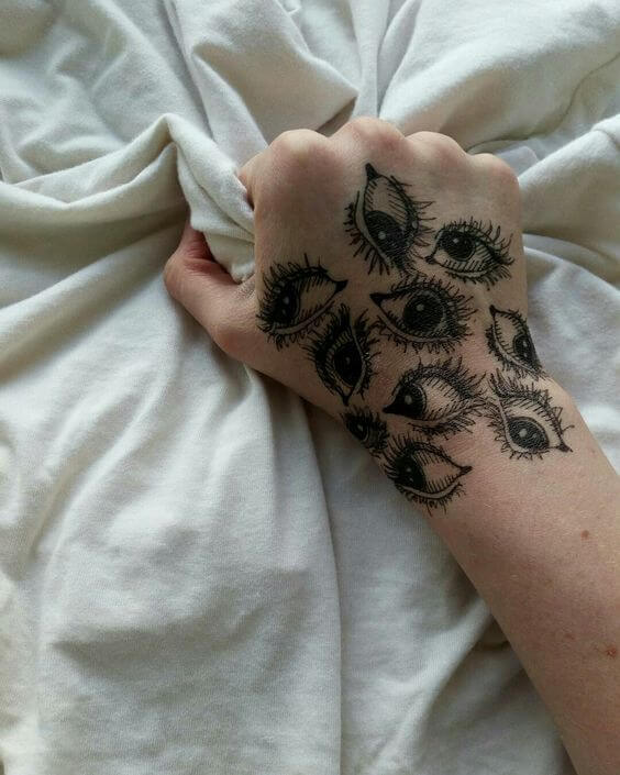 20 Hand Tattoo Ideas With Pictures 4