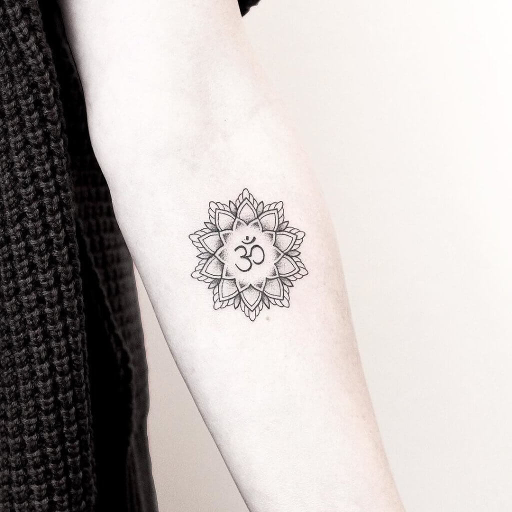 Enlisting the best Ideas for Buddhist Tattoos 4