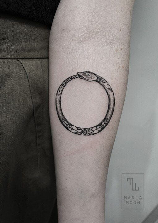 185 Significances of Ouroboros Tattoos: Enlisting some proper tattoo designs 19