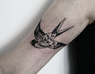 Top sparrow tattoos for a cool and stylish look 16