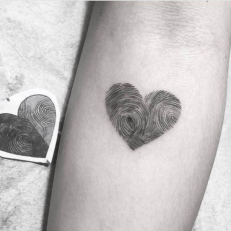 Best 17 Thumbprint Tattoo Ideas [ With Gallery ] 1